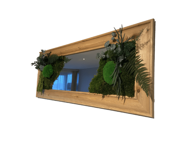 Mirror with preserved plants