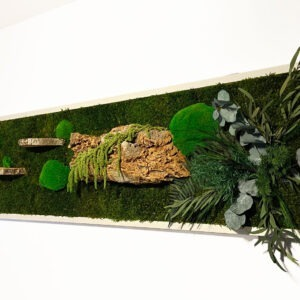 Moss-wall-art-with-preserved-eucalyptus